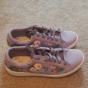 Keds periwinkle floral sneaker size 5